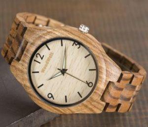 街コンの沈黙を撃退する木製腕時計