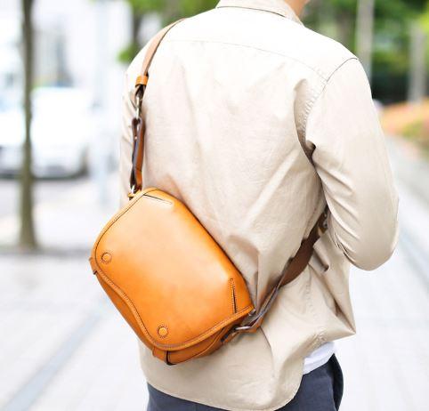 テーラードジャケットの合うメンズバッグ