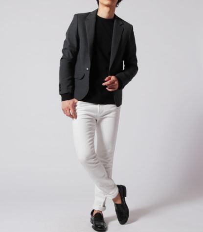ホワイトジーンズに合うテーラードジャケット